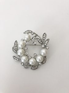 Crystal and Pearl Wreath Stock Pin